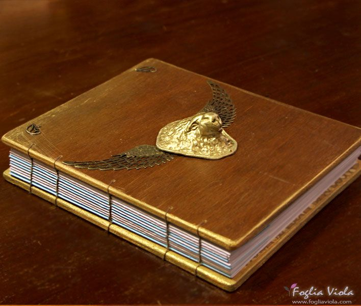 Lion Heart journal #lion #king #re #wings #ali #copticstitch #bookbinding #legatoria #greek #roman #leone #art #classic #journal #notebook #diario #diary #handmade #animali #roma #effige #ooak #clay #unique #ancient #fogliaviolastyle