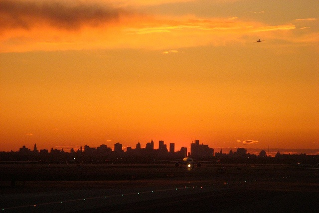 New York City cityscape sunset @ John F. Kennedy International Airport (JFK)