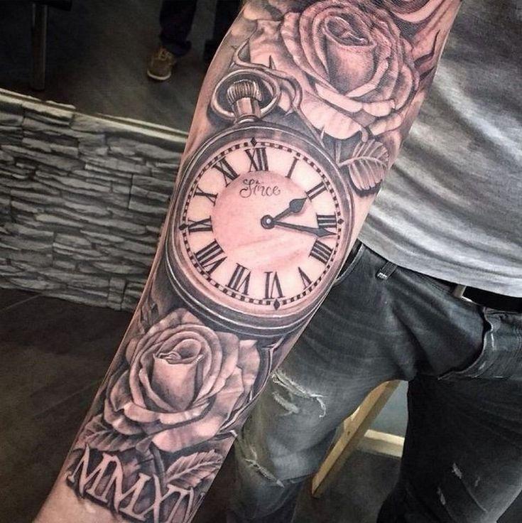 idée tatouage homme tendance horloge roses motifs floraux