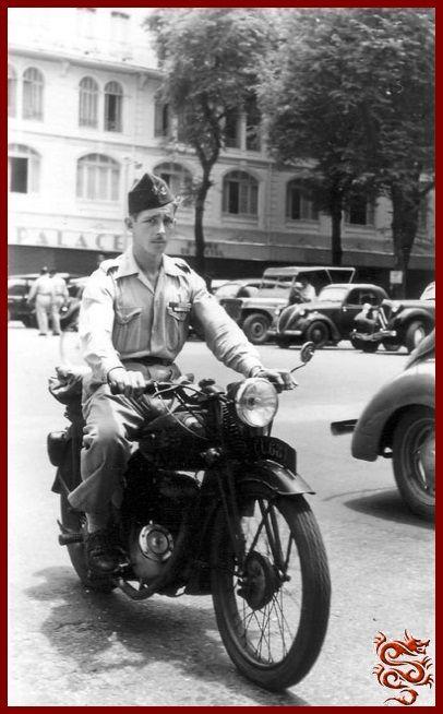 Soldat Français rue Catinat Saïgon 1952