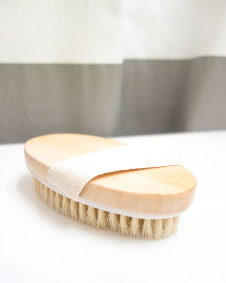 An easy guide to dry skin brushing