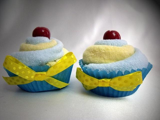 cute washcloth cupcakes