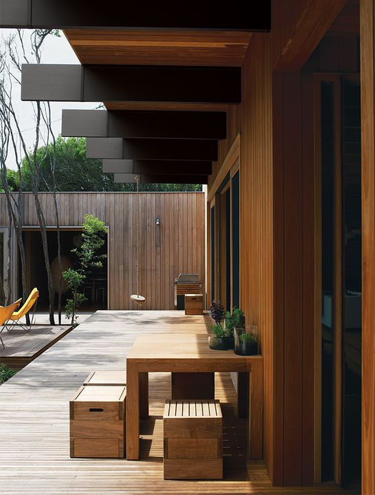 The courtyard deck is also made of tallowwood, a native eucalyptus. White mahogany—a dense timber that is termite resistant—clads the exterior. The sustainably sourced timbers are also fire resistant, a crucial feature in Australia in light of frequent drought and resulting forest fires.