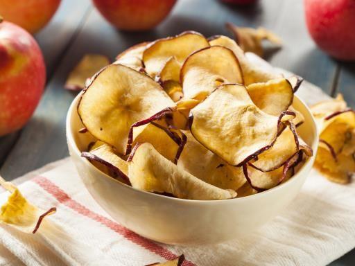 Chips de pommes acidulées - Recette de cuisine Marmiton : une recette