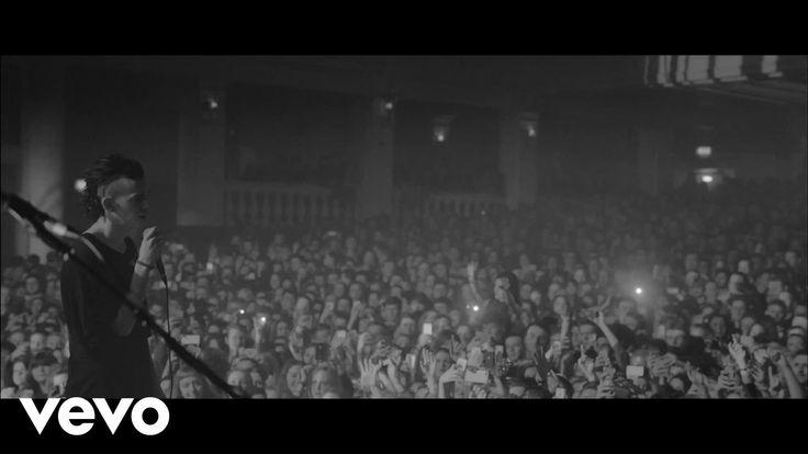 The 1975 - Chocolate (Live) (VEVO LIFT)