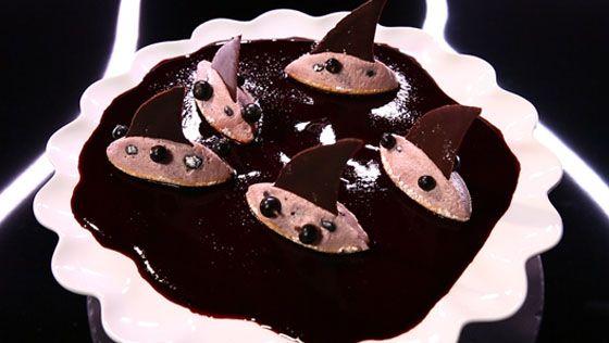 - Crème cassis marron- Décor chocolat noir- Réalisation