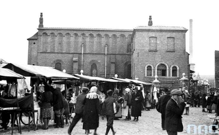 The Old Synagogue on Kazimierz (Wide street in Krakow, April 1936).