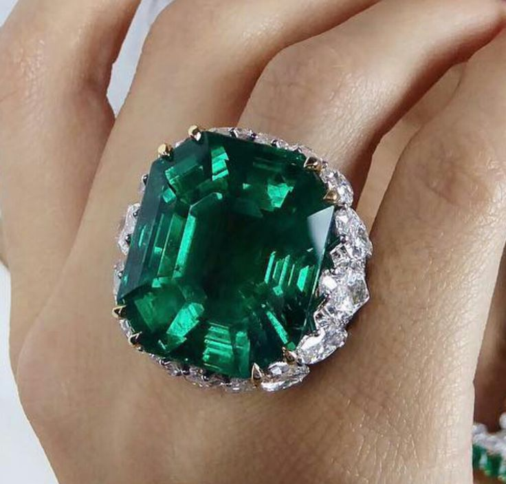 The ultimate emerald!! 47.72 carats Colombian, no clarity enhancement, exceptional transparency, by David Webb, pre-sale estimate $2-2.5 million. Magnificent Jewels, Geneva @christiesjewels @christiesinc