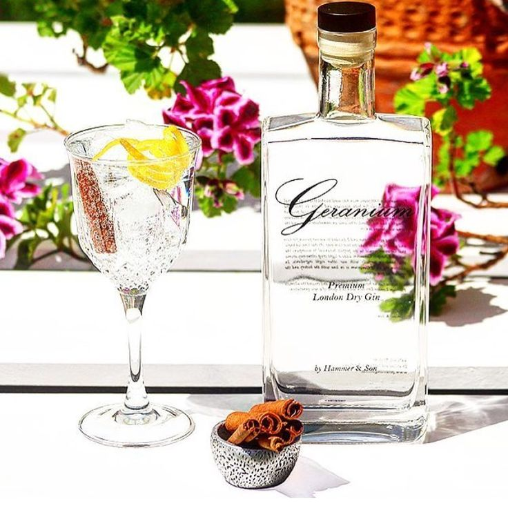 With a wide range of different botanicals being infused into the alcohol, gins are becoming more and more varied in flavour.  Some are now so complex on the nose, to dilute them with an aspartame and saccharine heavy tonic seems almost sacrilege.  Here are nine of the best gins to drink straight up over ice.