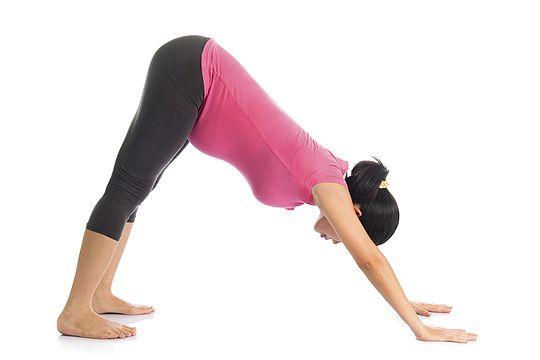 Yoga für Schwangere: nach unten schauender Hund