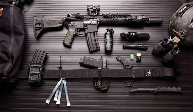"""Junk on the bunk featuring a BCM 11.5"""" Carbine with SureFire, LLC SOCOM Brake, Surefire Warden, BCM Mod 0 Stock, Mod 3 Pistol Grip, KeyMod Rail Panels, KMR-A Handguard, Aimpoint T2 Micro riding in a Scalarworks mount and a SureFire, LLC X300 with XT07 Switch. MultiCam Black Hydro by Joint Force Enterprises Sentinel NVGs by TNVC, Inc Hit our Facebook page for the full rundown on all of the gear... Image courtesy of G-Code Holsters and JC @haleystrategicofficial @gcodeholsters @surefirelights"""