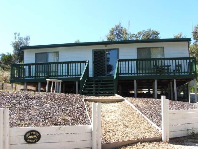 BUSH N' BEACH HIDEAWAY   Golden Beach, VIC   Accommodation