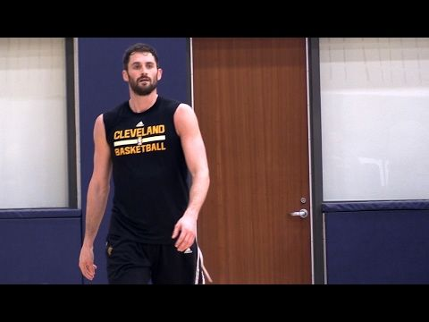 Kevin Love and Kyle Korver both participated in the Cavs' short practice Wednesday and both have a chance to play Thursday against the Utah Jazz.