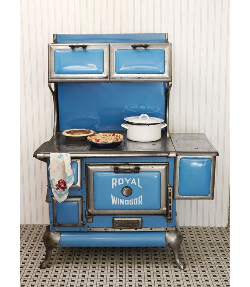 old fashioned stove: Kitchens, Vintage Stove, Blue Stove, Antique Stove, Windsor Stove, Royals Windsor, Stoves, 1920S, Antiques