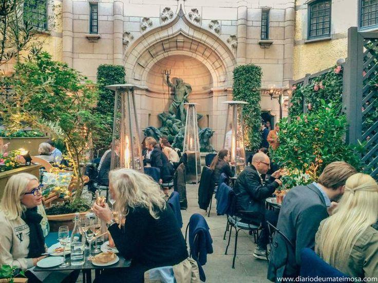 Hallwylska Restaurang: um lugar de gente bonita, elegante e sincera na rua mais cara de Estocolmo