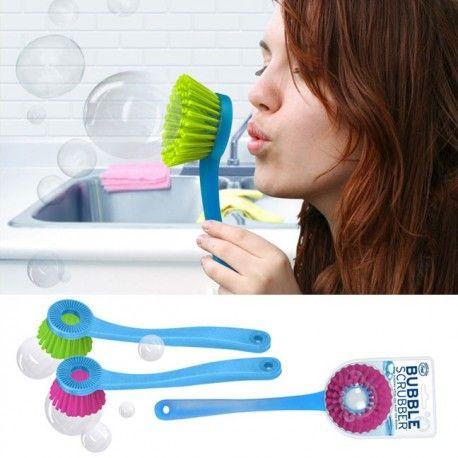 Met deze leuke bubbelblaas afwasborstels krijg je zelf je kinderen aan de afwas.