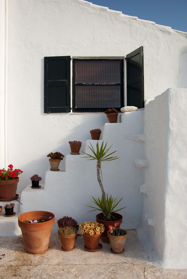 I'd love to build me and L a cute little home like this on our honeymoon to Menorca.