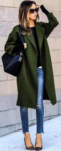 #winter #fashion / Green Coat / Bleached Skinny Jeans / Leopard Pumps / Black Leather Shoulder Bag
