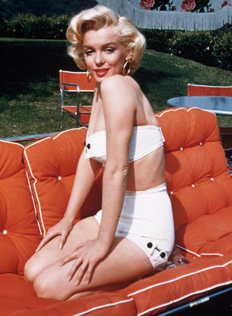 vintage everyday: 40 Iconic Moments of Marilyn Monroe in Bikini and Swimsuit from between the 1940s and 1960s
