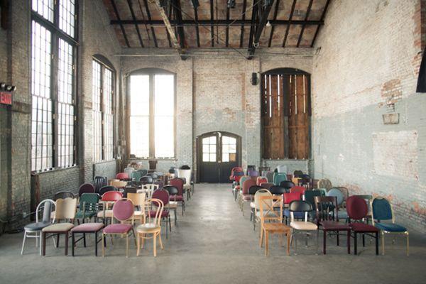 mismatched ceremony chairs via ruffledblog.com