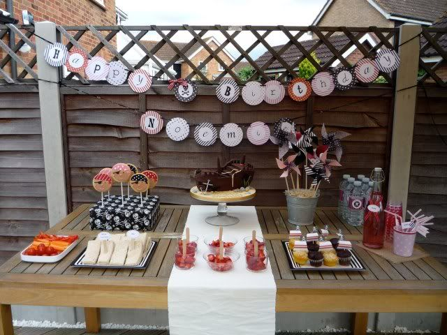 Pirate Party theme: Pirate Party, Pirates Birthday Parties, Party'S, Sweet Tables, Pirates Parties, Pirate Birthday Parties, Parties Ideas, Desserts Tables, Girly Pirates