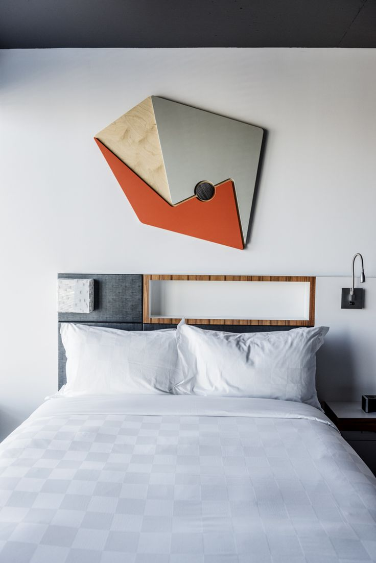 LEMAYMICHAUD | ALT | MONTREAL | Architecture | Design | Hospitality | Hotel | Griffintown | Room | Art | Bed | Bedding