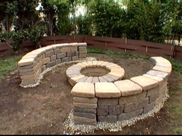 how to build a bench around a firepit outdoors diy fire pit pea rh pinterest com