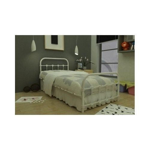 1000 Ideas About Bedroom Frames On Pinterest: 1000+ Ideas About Cast Iron Beds On Pinterest