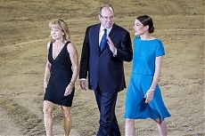 Monaco 2014 Gallery - LONGINES GLOBAL CHAMPIONS TOUR - Prince Albert, Charlotte Casiraghi and Diane Fissore make their way to present the trophy