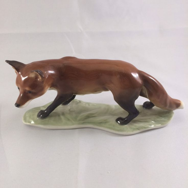 Hutschenreuther Germany Vintage Porcelain Figurine Fox Dark Red-Brown