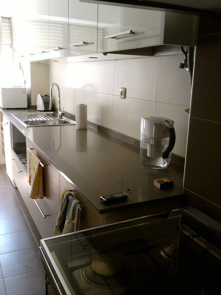 cozinha em branco e carvalho