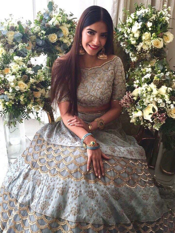 We love Sonam in this look! | browngirl Magazine Insta- @browngirlmag