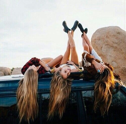 """#wattpad #de-todo Jessica Dallas una chica normal de 14 que vive en Los Angeles hermana del famoso joven Cameron Dallas integrante de Magcon la vida de Jessica dará un giro de 360° grados conocerá al amor por una red social """"instagram""""   Jacob Sartorius un chico de 14 años que vive en Virginia integrante de Magcon c..."""