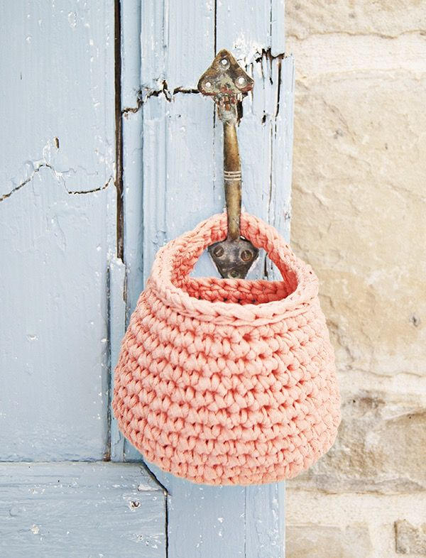 Hanging Crochet Basket Pattern This basket is by far one of my favorite things to crochet. I have them in every room of the house to hold small items suck as face towels in the bathroom. I even made a couple for the kids at school and daycare in their lockers to hold their mittens …