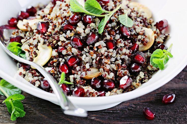 Nach der ganzen Osterschlemmerei darf auch gerne mal wieder ein gesundes und frisches Gericht auf den Tisch. Unser Quinoa-Salat ist nicht nur gesund und nährstoffreich, sondern auch noch richtig lecker!