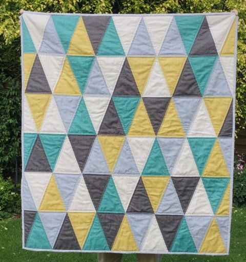 1000+ images about Quilt Isosceles Triangle on Pinterest Triangle quilts, Isosceles triangle ...