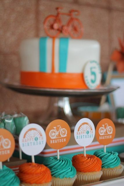 This bicycle-themed birthday party is perfect for summertime birthdays! Get the kids outside and doing a fun activity like biking around the neighborhood to keep them occupied and having fun #BirthdayParty