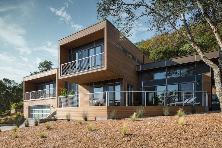 The two story design of the blu homes sidebreeze takes incredible advantage of the vineyard