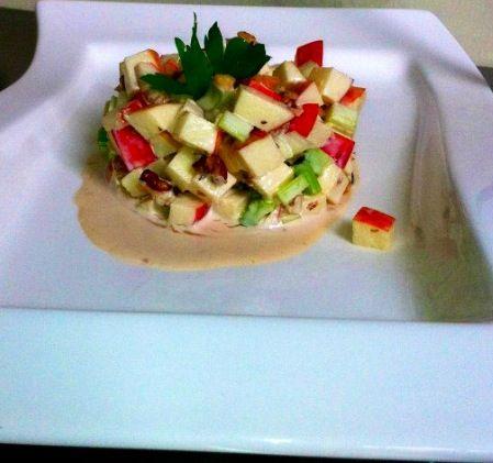 Ensalada waldorf     Manzana , nuez , mayonesa , apio