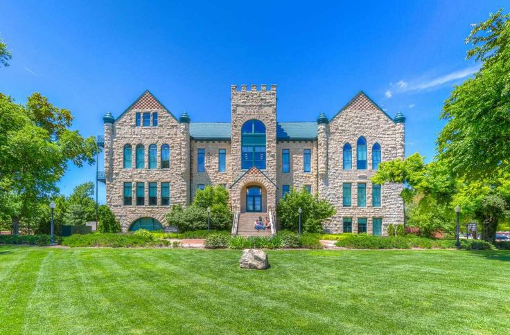 Join us on a virtual tour of the Sterling College campus!