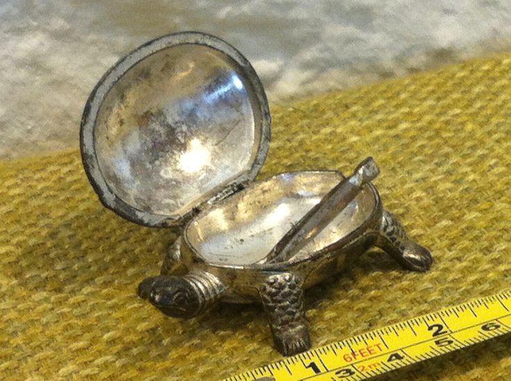 Vintage Schildkröte Dose Süßstoff Miniatur Metall nettes Deko Objekt von Antikladen auf Etsy