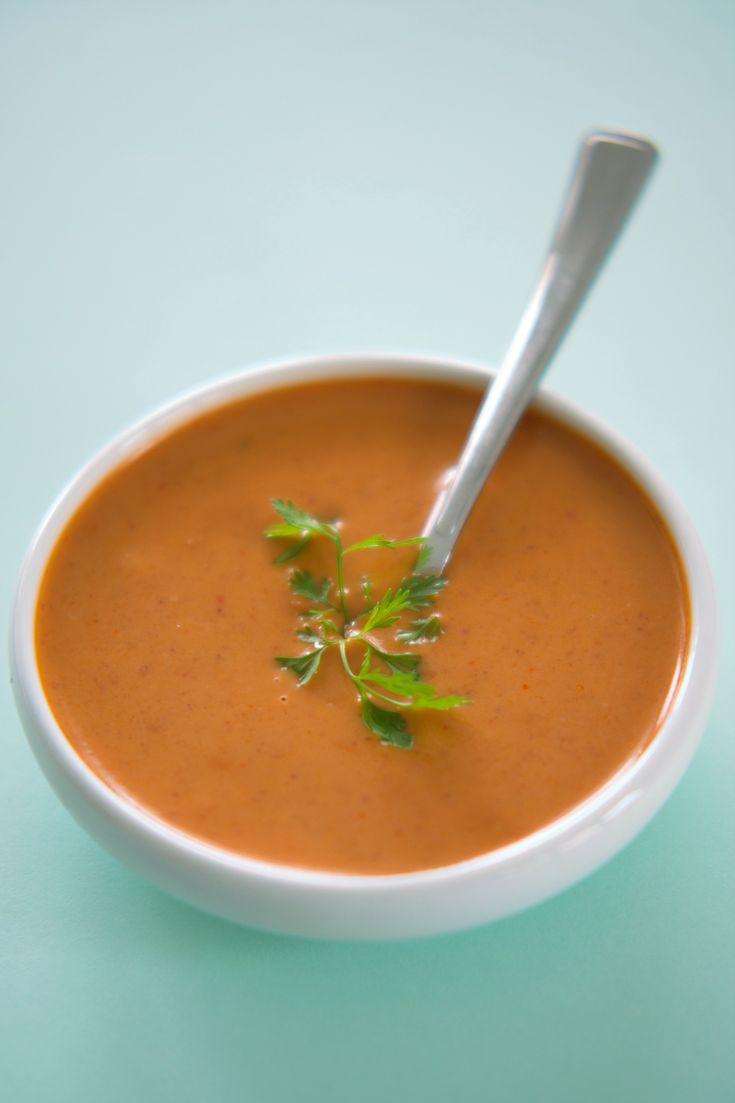 Sausen du er nøtt til å smake Denne peanøttsausen må du lage! Sataysaus kan brukes som dressing i en salat, saus, dipp og kondiment. Få oppskriften på verdens beste og superenkle saus! http://www.gastrogal.no/sataysaus-peanottsaus/ #Eddik, #Kokosmelk, #Peanøtt, #Peanøttsaus, #Peanøttsmør, #Sataysaus, #ThaiCurry, #Thailandsk