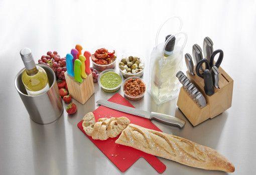 Kleurrijke en professionele keukengerei met logo.