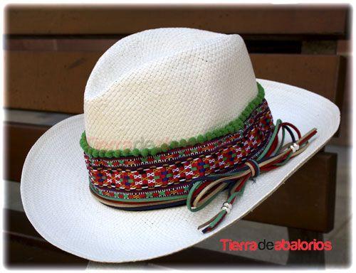 Sombrero de Playa Customizado con #Ante, #Madroños y #Tapacosturas