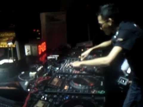 DJ PUCUY 'The Winner Of Pioneer Digital Dj Battle 2011 Indonesia