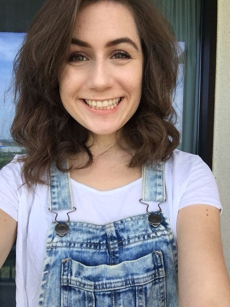 Dodie Clark - Bio, Facts, Family Life of English YouTuber