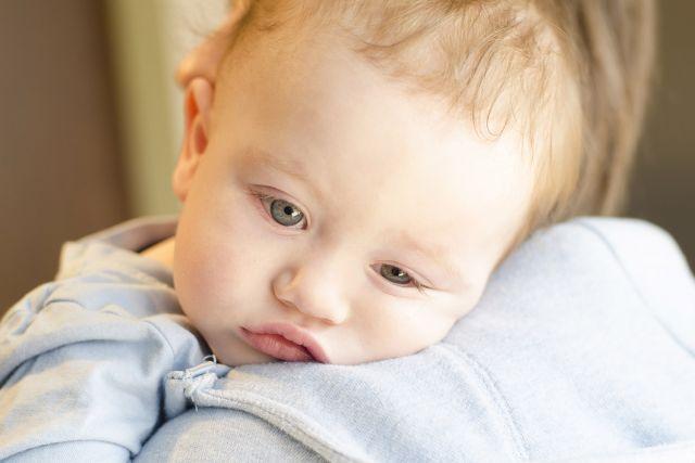 Trucs pour détacher les vêtements de bébé - vomissures