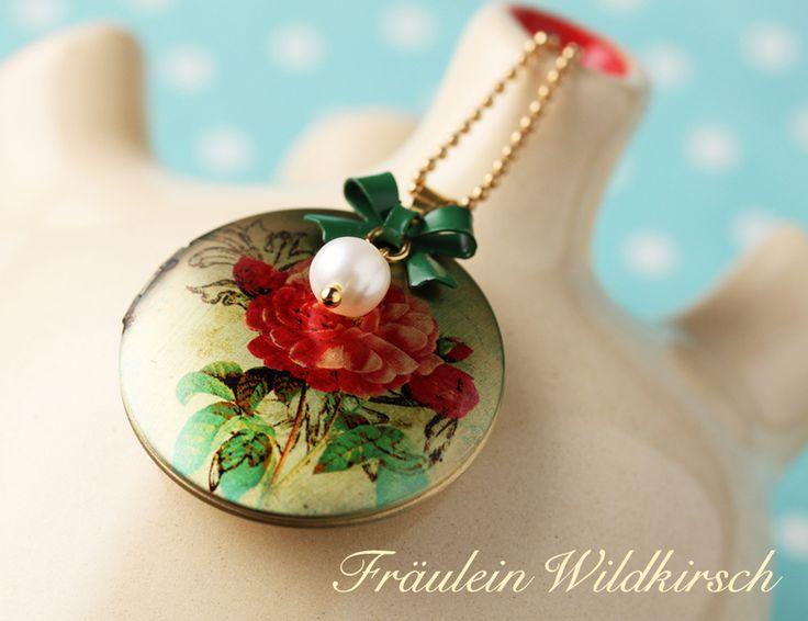 Medaillonketten - Perlen-Röschen Medaillon Kette Blüte Schleife - ein Designerstück von Fraeulein_wildkirsch bei DaWanda
