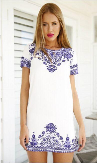 Retro Floral Print Shift Dress