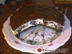 Τούρτα oreo σαν cheesecake, με μπισκότα και γκανάς σοκολάτας από πάνω... #sintagespareas
